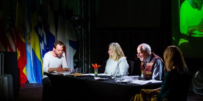 Sukcesyjne rozmowy przy rodzinnym stole – spektakl, który stał się wydarzeniem dnia.